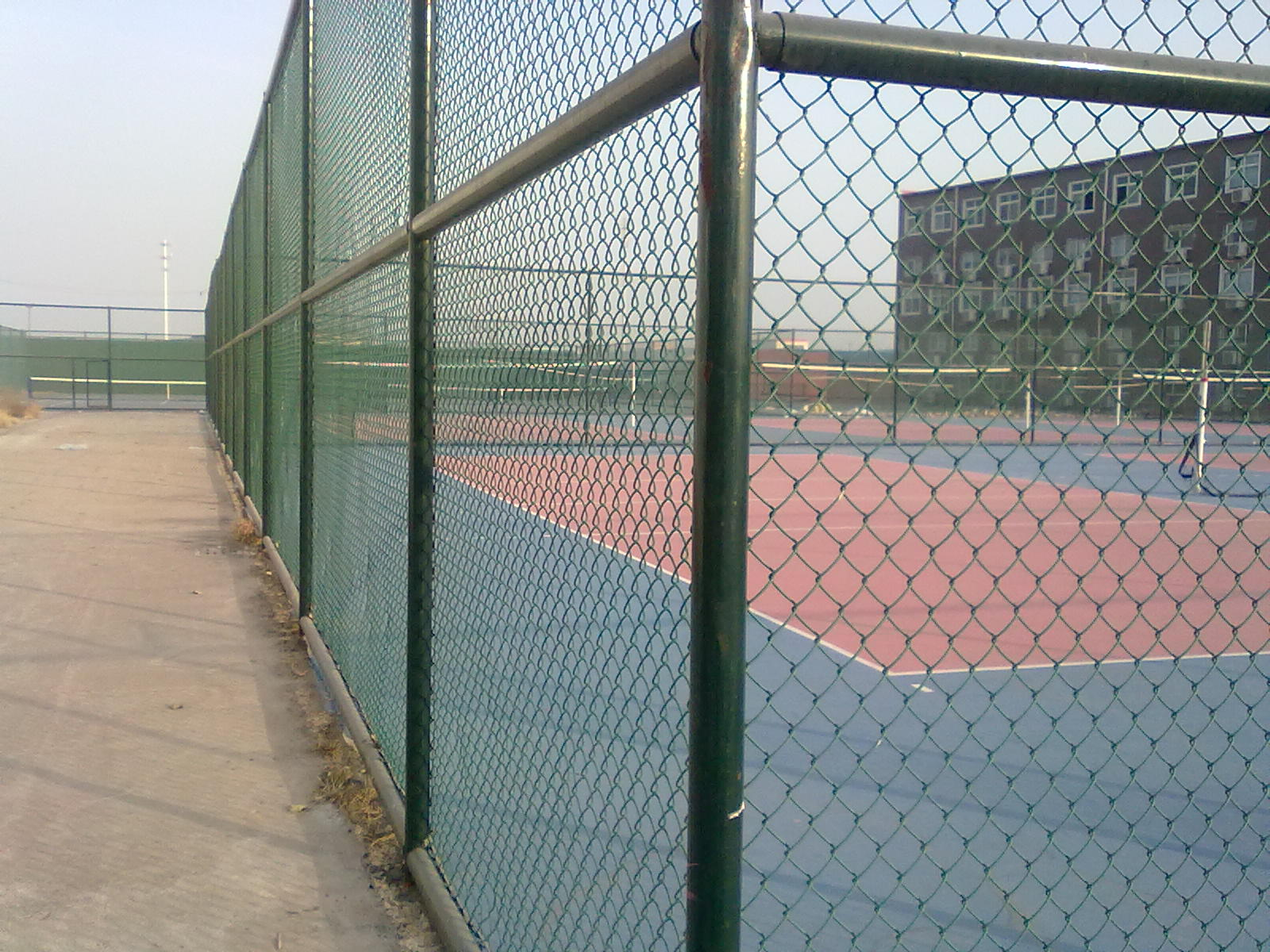 Wire mesh pool fence fencing