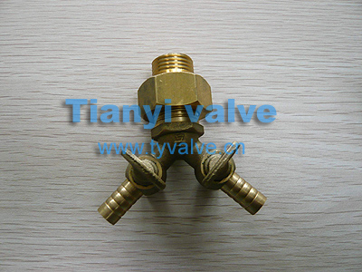 Brass V connector for gas line