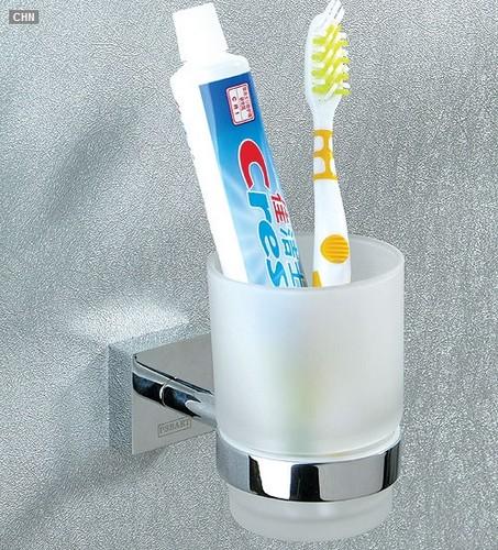 浴室的牙刷架