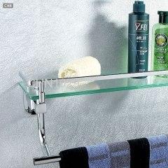 浴室的架子上
