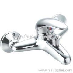Wall mount bath water faucet