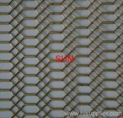 Artistic wire mesh decoration