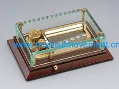 50 Note Exquisite Wind up Crystal Wooden Base Music Box Collectable