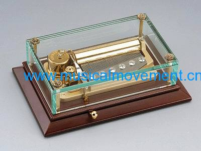 WOODEN BASE CRYSTAL MUSICAL GIFTS 50 NOTE SUPERB CLOCKWORK WOUND MUSICAL BOX MECHANISM
