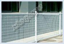 Welded temporary barrier