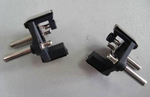 Turkish Kablo plug with hollow brass pins