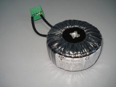 Toroidal isolation transformer