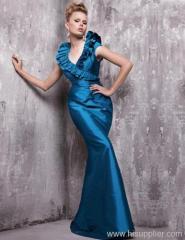 beautiful classic evening dress 2010