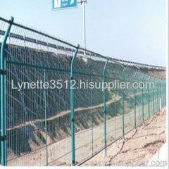 thruway wire mesh fence