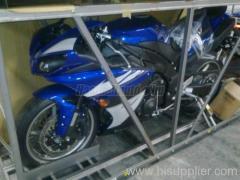 YAMAHA YZF R1 blue