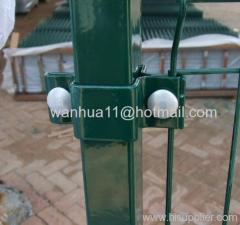wire mesh fence post