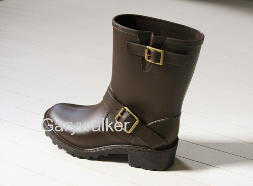 PVC injection fashion rain boots