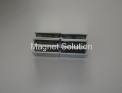 sandwich magnet assembly