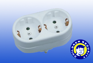 CE Travel Power Adapter