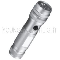 12 LEDs flashlight
