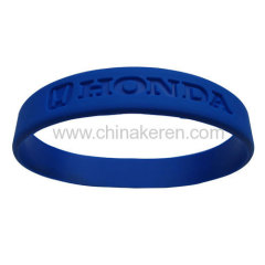 2013 hot promotional fashion silicone bracelet with cheap price