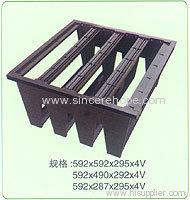 Plastic fingers for rigid box filters