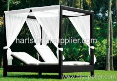 wicker lounge bed