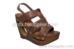 hollowed wedge sandal