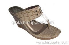 thong wedge shoe