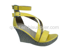 buckle strap wedge shoe