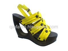 hollow wedge shoe