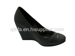 rounded toe wedge shoes