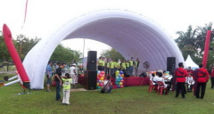 Party time inflatable tent