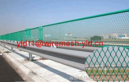 pvc coated expanded metal mesh fences