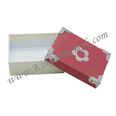Paper Gift Packaging with Iron Accessory