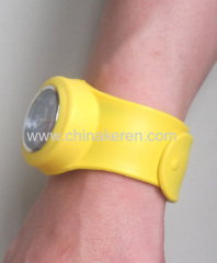 2013 new fashion colorful silicone slap watch