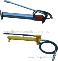Manual pump for hydraulic compressors