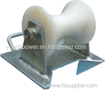 Pithead cable protection roller pulley block