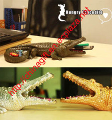 Hungry Crocodile Dispenser - Multifunction Storing