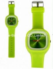 2011 top sell quantz watch