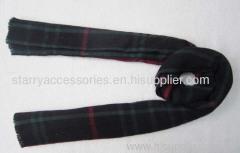 50% acrylic 50% wool dark green knitted scarf