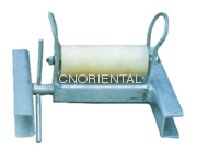 Open type vertical roller ground guide roller