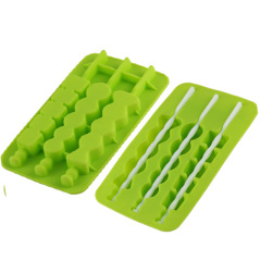 Hot summer silicone ice cube tray with stirrer sticks