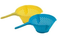 Colander W/Long Handle /Kitchenware