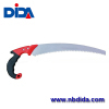 Non-displace curved cutting edge hand saw prunting saw