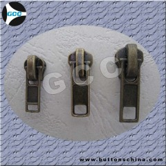 Metal slider with normal puller