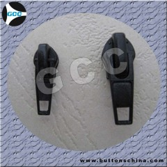 Nylon slider with normal puller