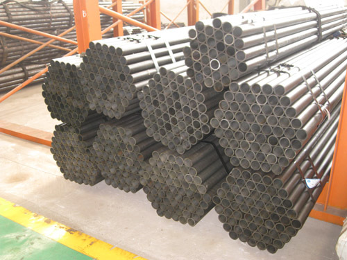 Seamless steel tubes for pressure vessel equipment