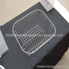Cleaning wire baskets
