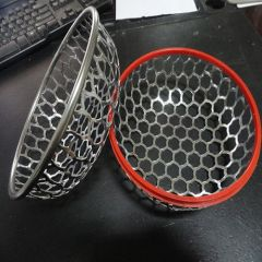 Grocery wire mesh basket