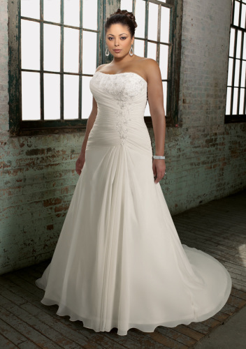 Classic Plus wedding dresses