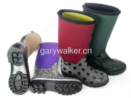 Girl's neoprene boot