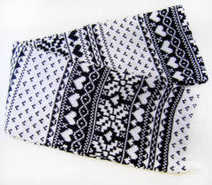 acrylic jacquard scarf available in black and white