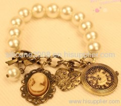 ancient style pearl bracelets
