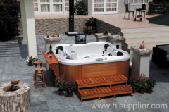 hot tub outdoor ;spa hot tubs ;small jaccuzi
